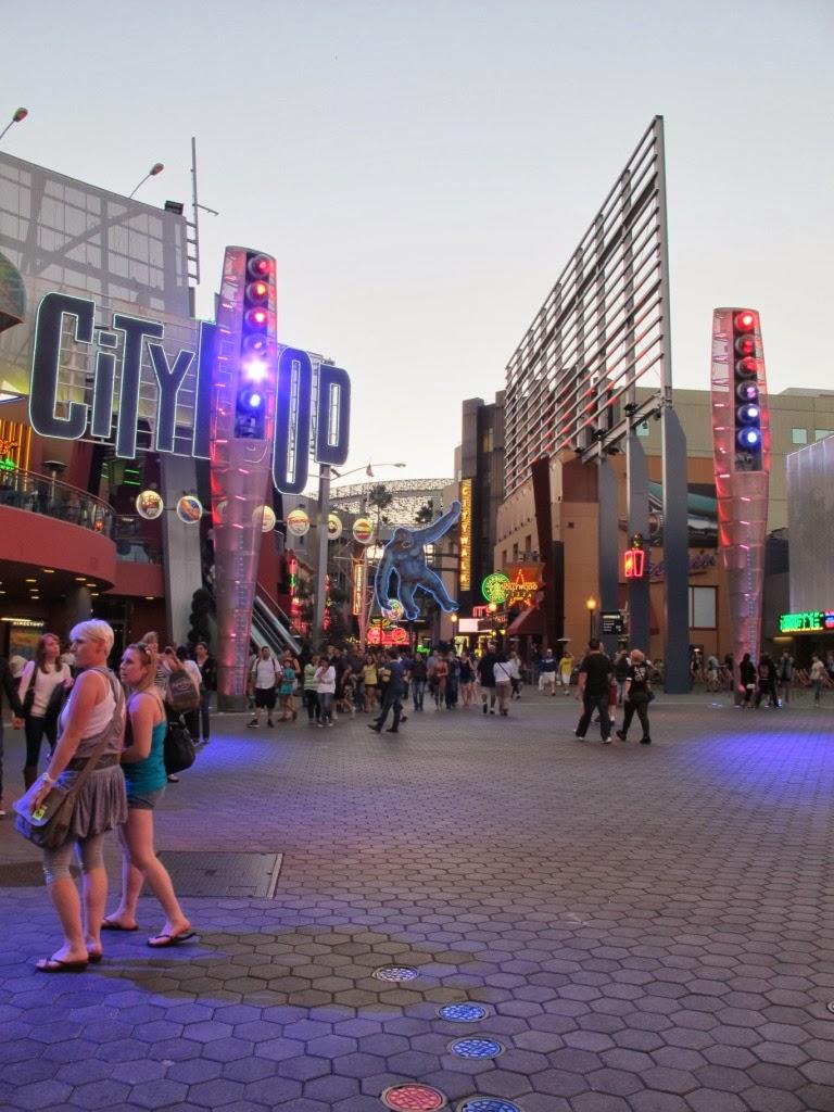16-hollywood-city-walk-king-kong.jpg