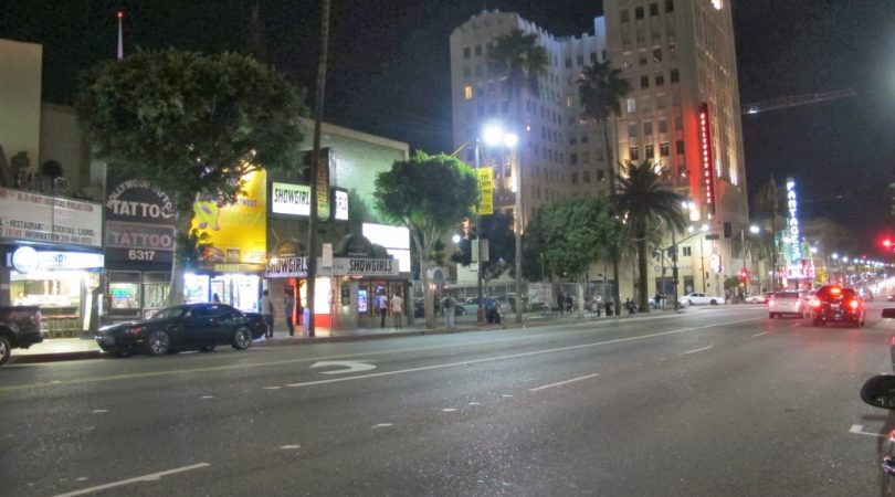 3-hollywood-blvd-fiyasko-dukkanlari.jpg