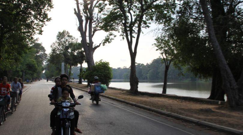 Angkor-way.JPG