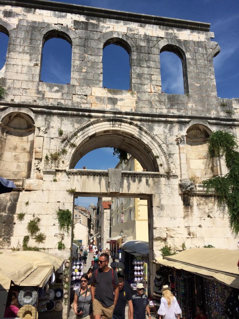 dioclatians-palace.JPG