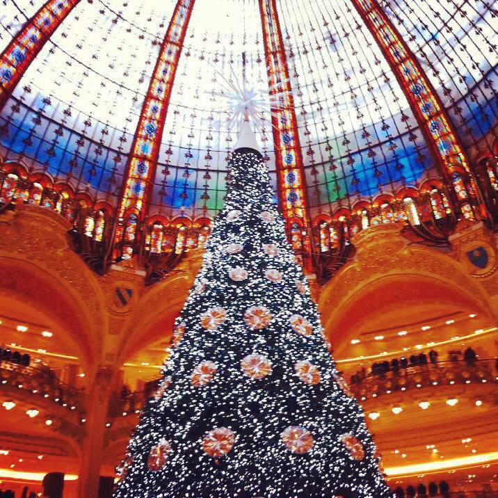 galeries-lafayette-christmas-tree.jpg