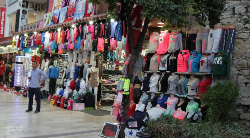 kusadasi-shopping.JPG