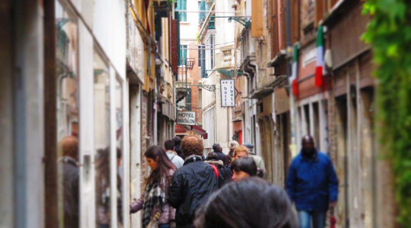 venice-narrow-streets.JPG